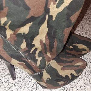 Camoflage booties